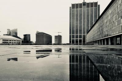Foto: Ján Škrobák - Finance Tower, mesto štátnej správy a výškové budovy na Rogieri. Brusel, Belgicko (2021)